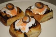 Creme Egg Chelsea Buns