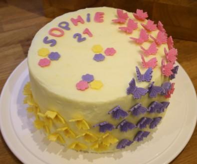 Pinata 21st cake